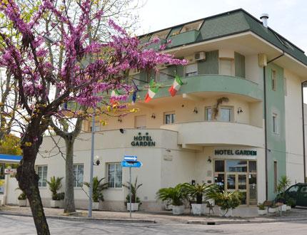 Hotel garden francavilla albergo 2 stelle a francavilla al for Mobilia arredamenti francavilla al mare